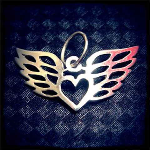 silver heartwings pendant
